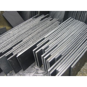 Slate steps in various sizes