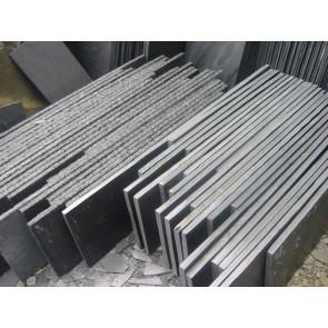 Slate steps in various sizes