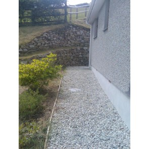 10mm granite chippings (bagged)