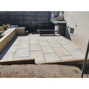 Calibrated sandstone patio paving packs