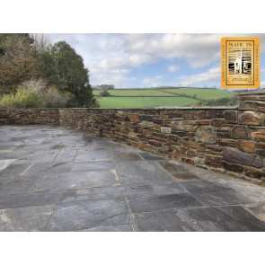 Medium walling stone used on a mortared wall