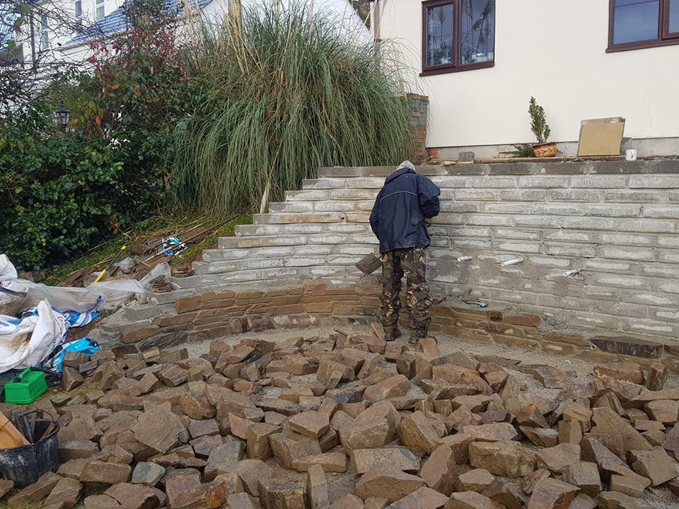 Small walling stone