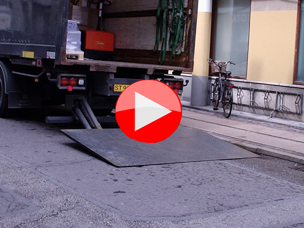 Tail lift delivery video