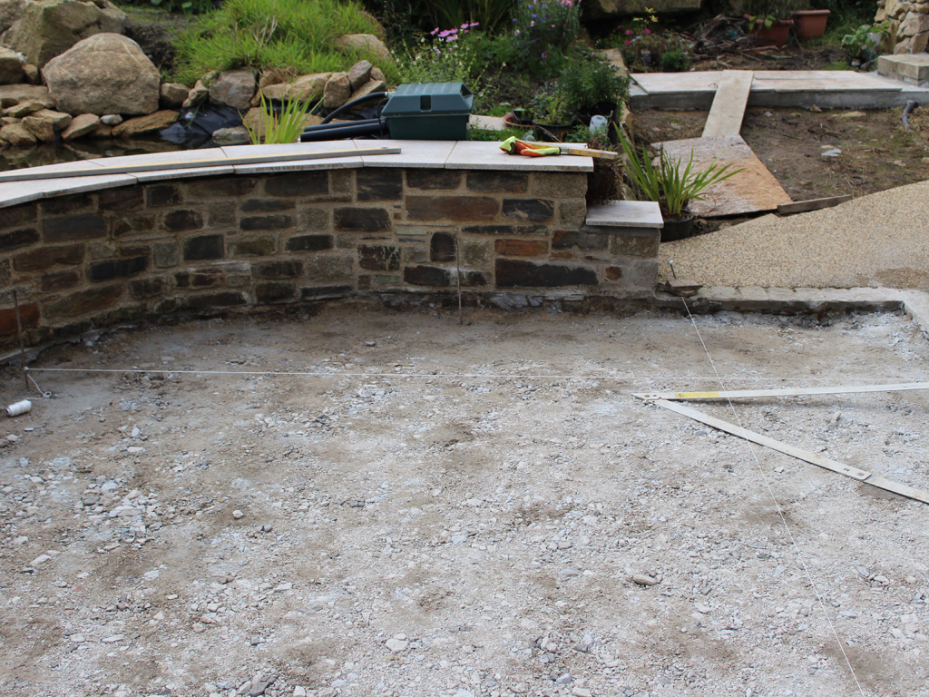 Laying Natural Stone : How to lay garden paving lantoom quarry suppliers of